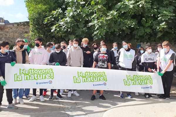 Nettoyons la nature avec les lycéens de 2nde Pro Logistique